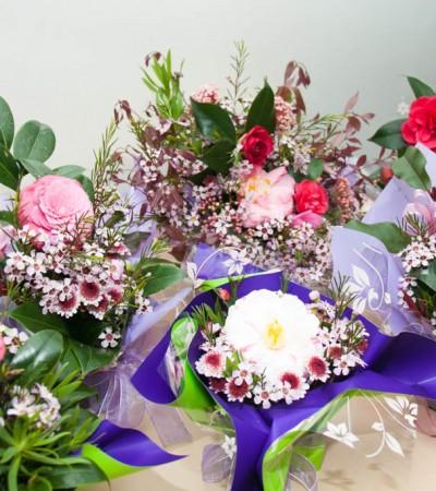 Join Us Friday November 27th (Flower Arranging ) Workshop